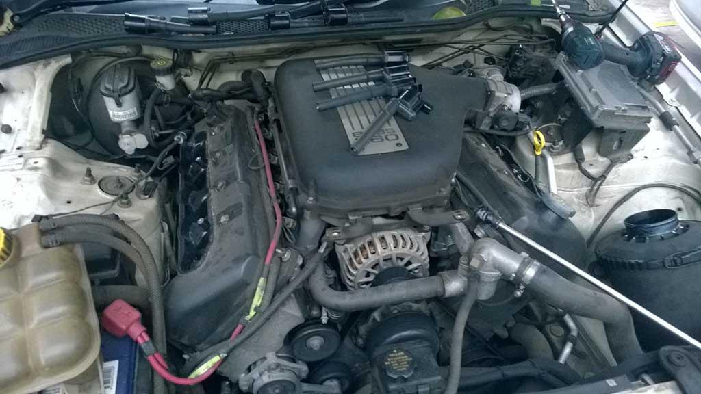 XR8-5.4-litre-underbonnet-ign-coils-removed
