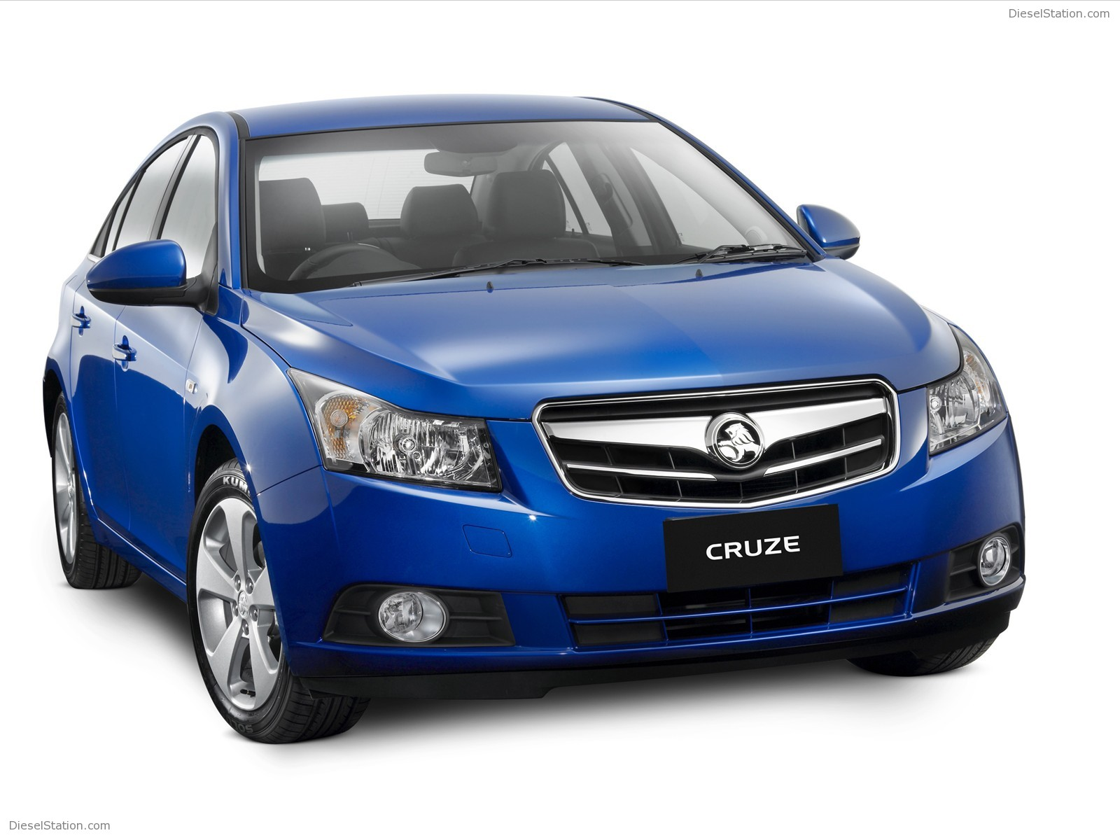 2010-Holden-Cruze-01